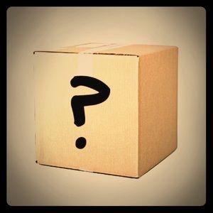Kohl's Mystery Box: Women Size 10/Med Petite